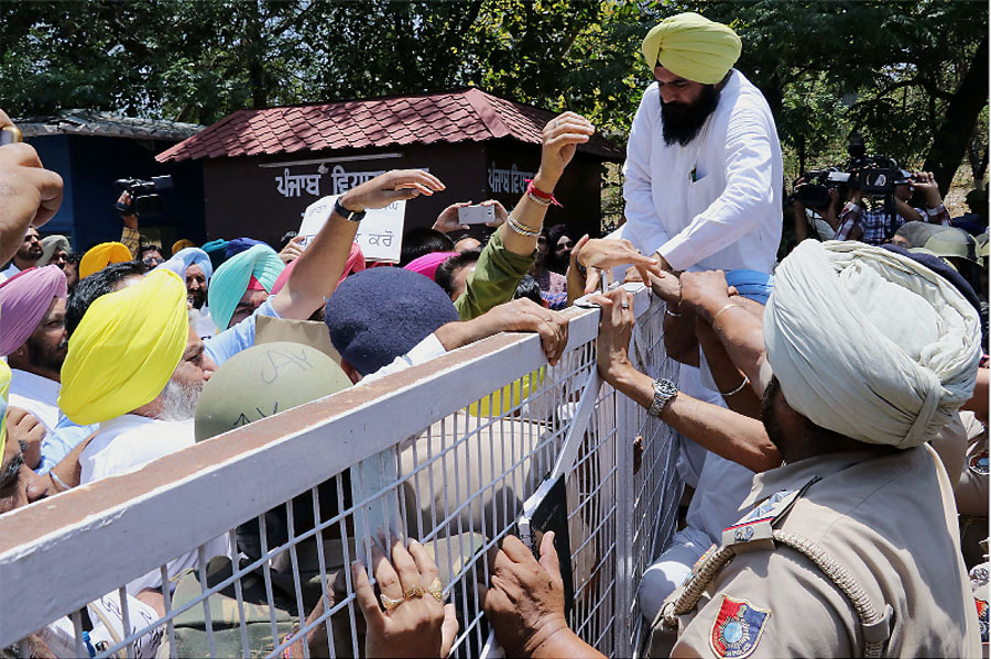 Punjab Legislative, Assembly, AAP, Leader, Arvind Kejriwal, Raised, Strike, Arrested