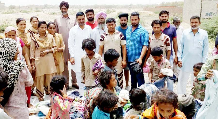 Cloth Bank, Needy People, Dera Sacha Sauda, Gurmeet Ram Rahim, Welfare Work