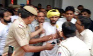 Ruckus, Assembly, Corruption, AAP, Delhi