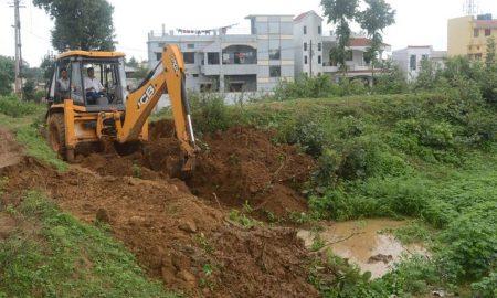 Drain, Excavation, Despite, Stay