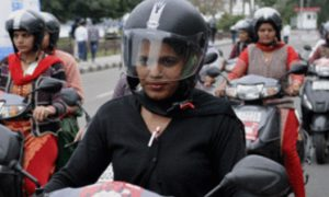 Women, wear, Helmets, Punjab