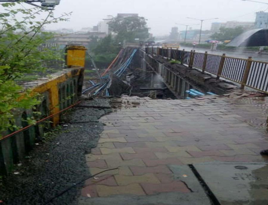 Mumbai, Injured Heavy Rain, Overbridge Collapse