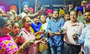 Civil Secretariat, Staff Seeks, Manpreet Badal's, Begging, Punjab