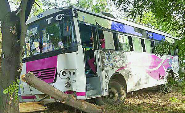 Staring Fail, Bus, Collide, Accident, PRTC, Punjab