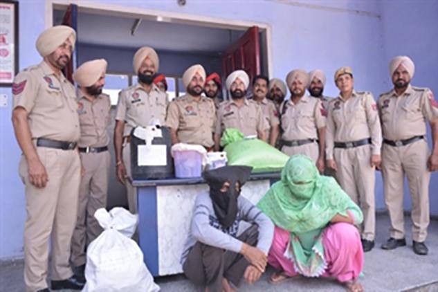Drug Smuggler, Arrested, Police, Opium, Liquor, Recovered, Punjab