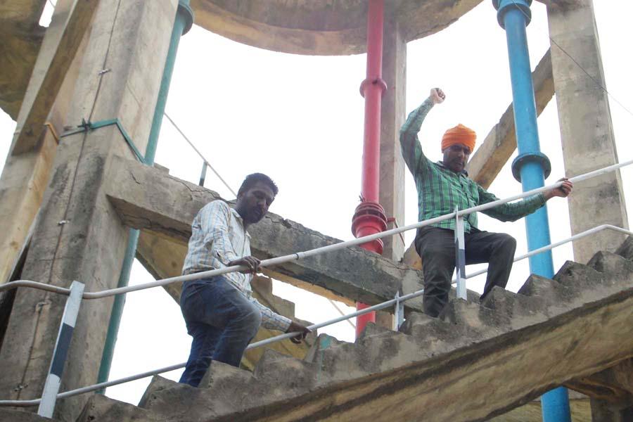 Land Dispute, Ascend, Water Tank, Warning, Punjab