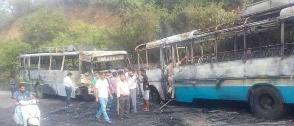 Bus, Burn, Collision, Accident, Injured, Fire, Punjab