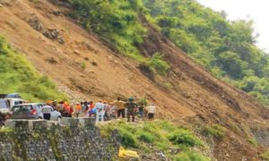 Landslide, kotoropi, Bus, Vehicle, Died, Himachal