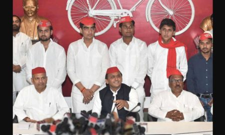 Akhilesh Yadav, Press Conference, Gujrat Election, UP, BJP