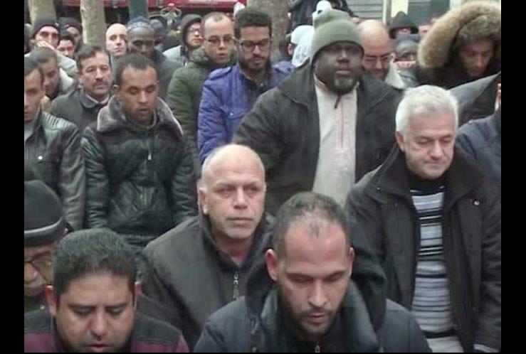 Paris, Muslims, Reading, Prayers, Streets