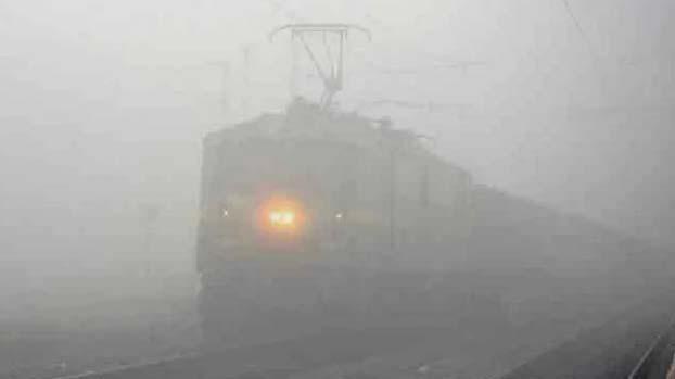 Trains, Late, Delhi, India, Fog