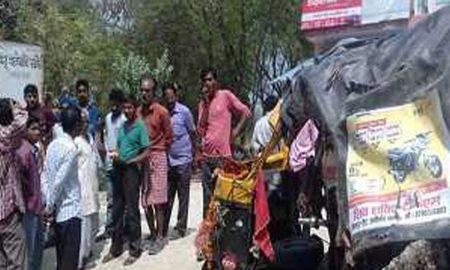 Pratapgarh, Truck, Tampoo, Confrontation, Dead, Injured