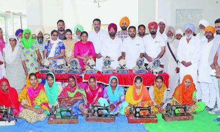 Sewing, machines, distributed, Needy, Girls