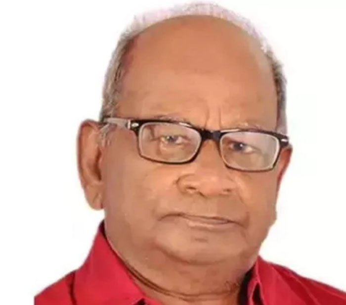 Senior Journalist, Writer, Chest, Infection, Die