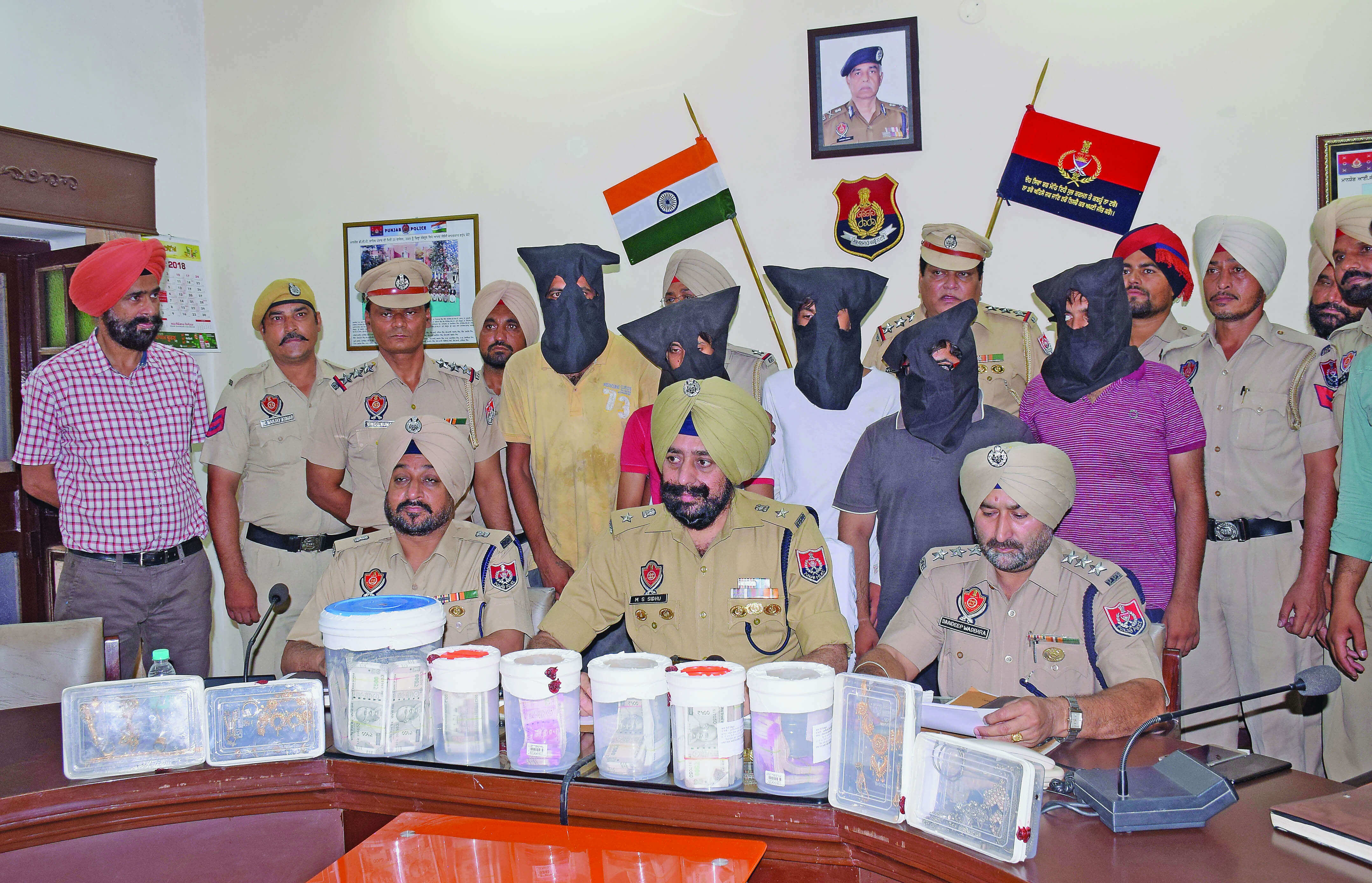 6 Robbers, Arrested