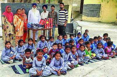 52 distributed, Wards, Needy, Children