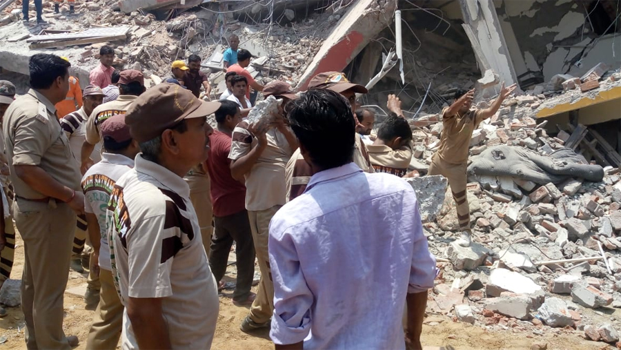 Died, Greater Noida, Building Collapse, Welfare Works, Dera Sacha Sauda
