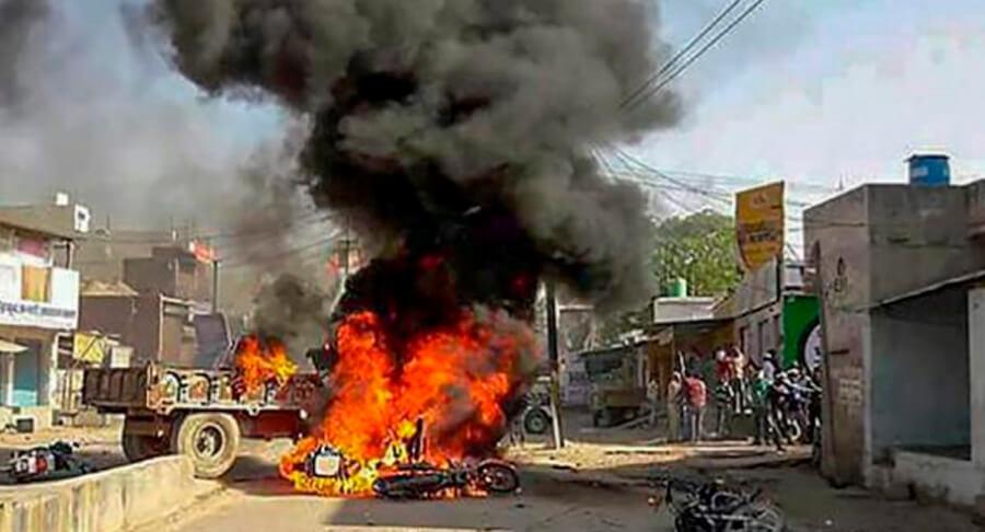 Gurugram, Fire, Cars, Shops, Dalit Basti