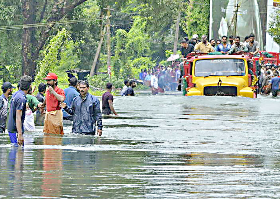 Kerala Flood: Naval Ship, Carrying, Ration, And Water