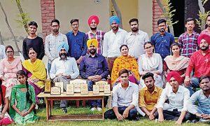Students Of Maharaja Ranjeet Singh College, Youth Fair