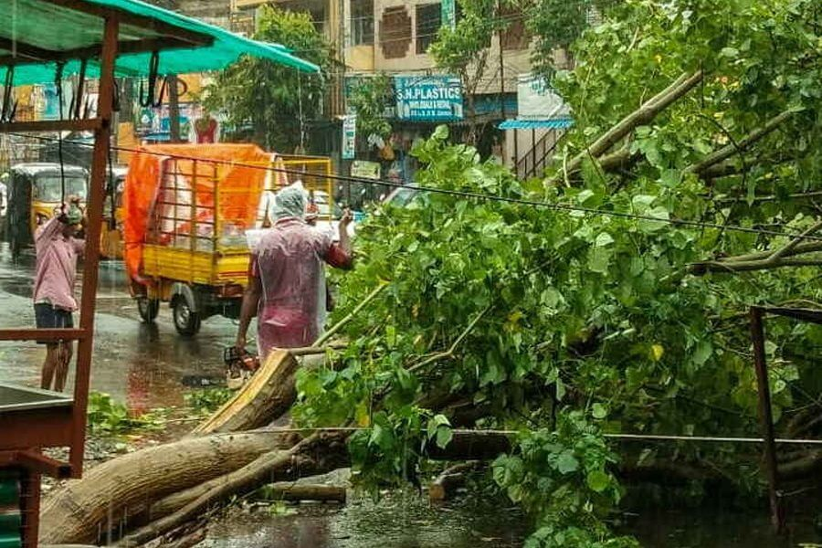 28 Thousand People Were Sent To 178 Relief Centers Due To Fethai: Minister of Andhra