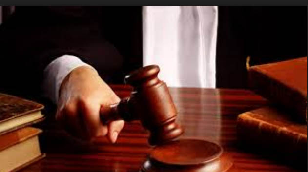 Court sentences ten years for smugglers
