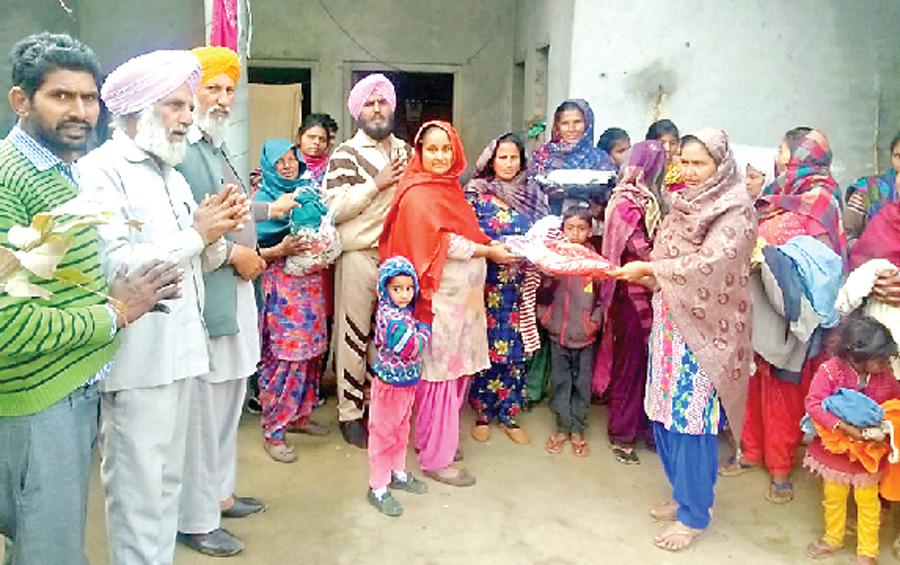 Block Batta-Dalka's distributed hot clothes needy families