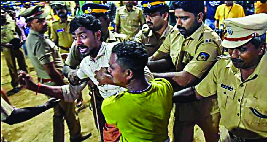 Sabarimala : bjp leaders and cpm houses attacked with bombs