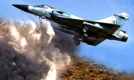 Kashmir : Pakistan aircraft violated air border dropped bombs while returning