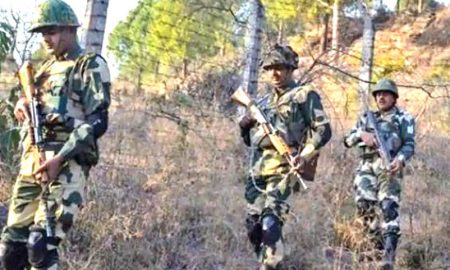Pakistan violates ceasefire in Uri injures one