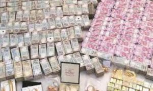 Election Commission seized 1582 crores of cash, liquor, gold, silver