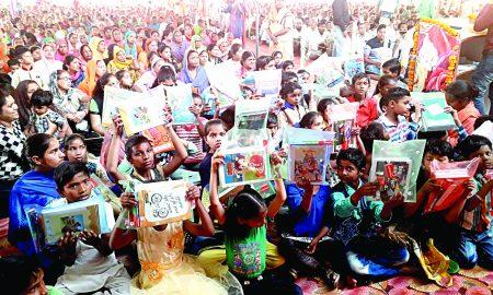 Kurukshetra- 100 needy students gets stationary help from dera followers