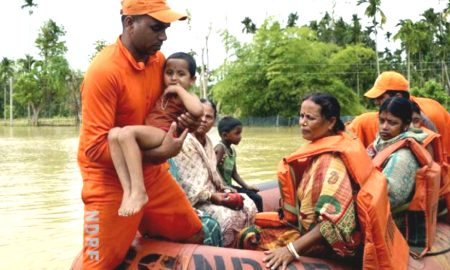 After torrential rains burst in rivers more than one thousand houses devastated by floods