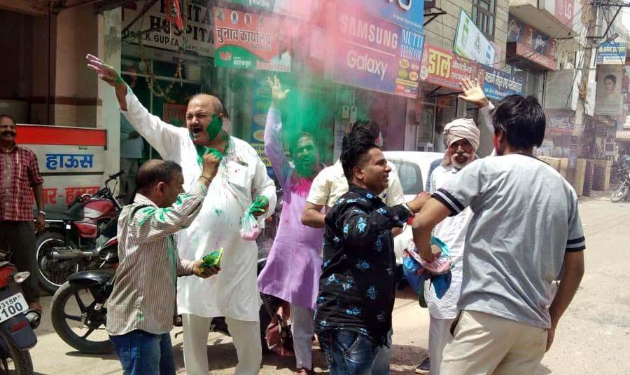 BJP worker in saffron color, celebrated celebration
