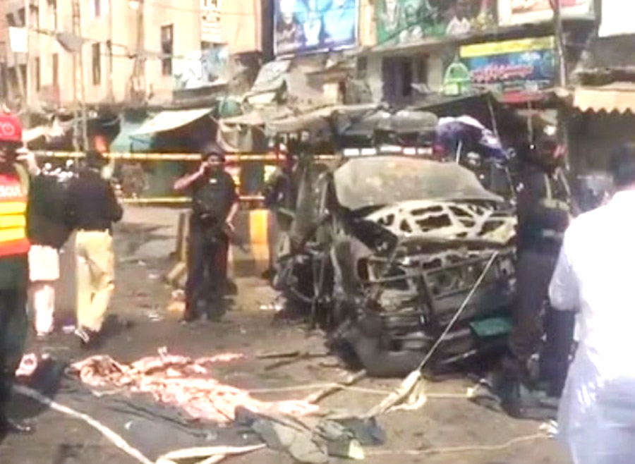 Pakistan: Explosion near Sufi Dargah in Lahore