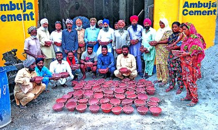 Dera devotees distributed 150 kerala bowls to the people