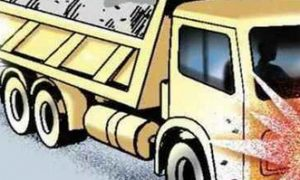 Truck crushes three , death