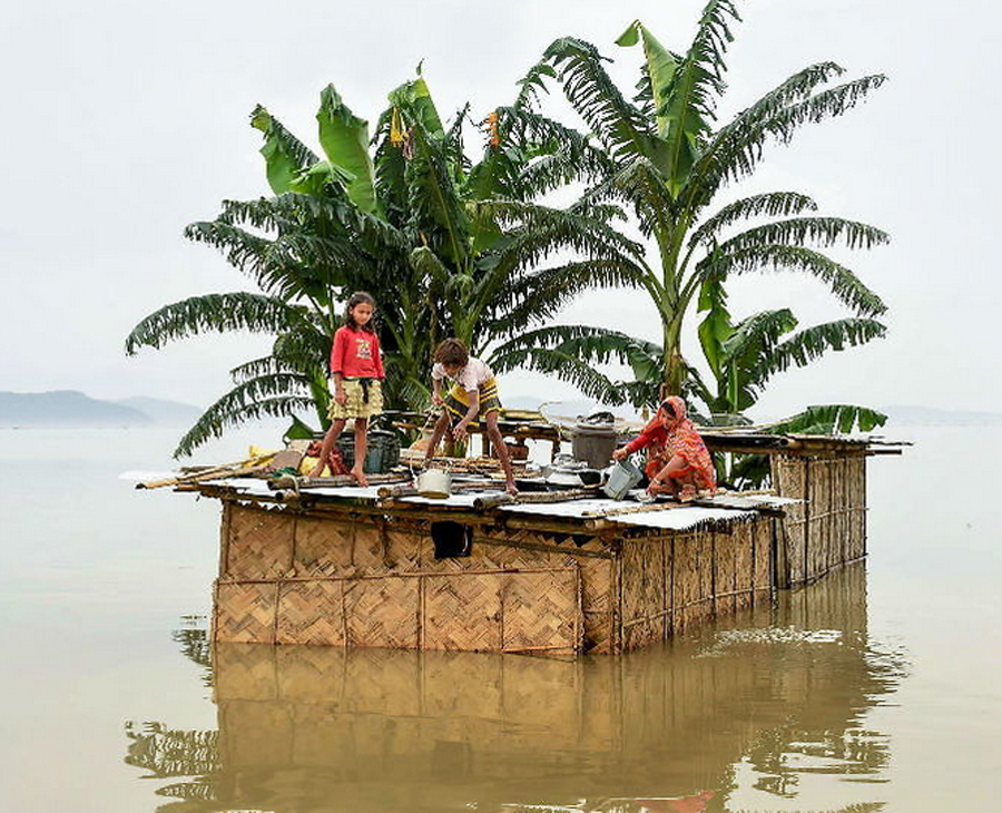 Weather: 15 dead in floods in Assam; 43 lakh affected; Modi assured Chief Minister Sonowal of help