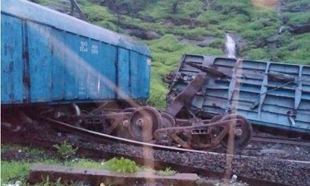 Train, Dderailed, Mumbai