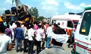 UP: Truck overturns on two vehicles filled with passengers in Shahjahanpur, 16 killed