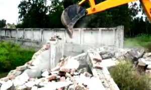 UP: Wall of Azam Khan's resort collapsed illegal construction on drain ground