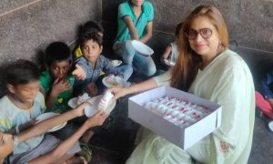 Birthday slums celebrated with children