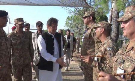 Imran Khan visits LOC