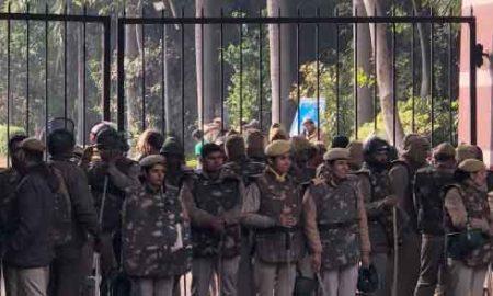 Delhi: Demonstration of students and teachers of JNU