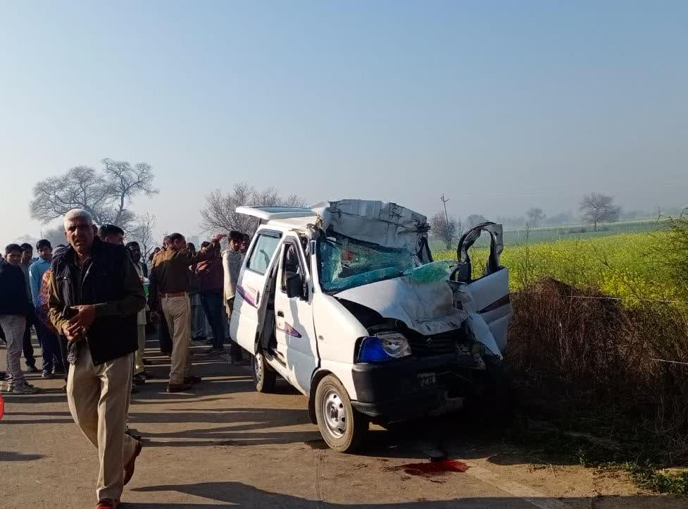 A horrific road accident near Rakhi Shahpur village on Narnaud to Uchana road