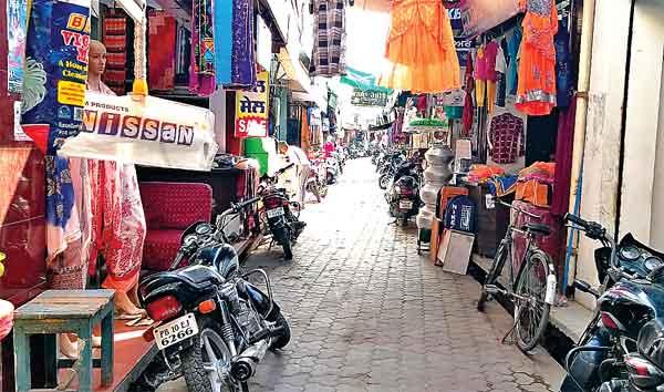Shops open in Punjab