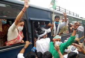 People's pain due to rising petrol and diesel prices, Congress protest (2)