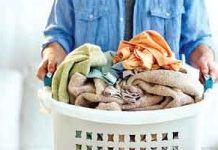 Wash-Woolen-Clothes-in-Wint